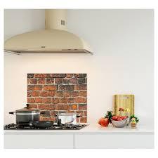 cuisine brique crédence effet brique verre et alu credence cuisine deco