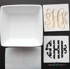 monogrammed dishes diy monogrammed dish bowl plate glass sheskindacrafty