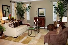farbgestaltung wohnzimmer farbgestaltung wohnzimmer helle wände pflanzen vintage couchtisch
