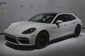 porsche panamera turbo black porsche u0027s panamera hybrid wagon is an impressive piece of tech