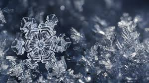 snowflake symmetry mirrors ice crystals u0027 molecular structure