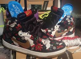 nike dunk black christmas