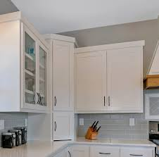 how to do crown molding on kitchen cabinets flat kitchen cabinet crown molding page 1 line 17qq