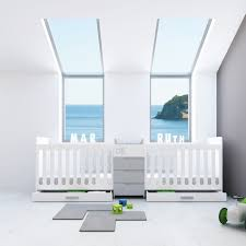 chambre pour jumeaux lits bébé évolutifs pour jumeaux lit bébé jumeaux le trésor de bébé