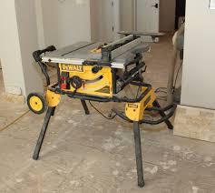 dewalt table saw guard dewalt dwe7491rs jobsite table saw tools of the trade table saws