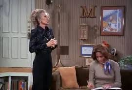 quot the mary tyler moore show quot apartment building mary richard s house touring the real mary tyler moore house