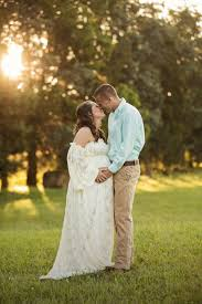 knoxville photographer country rustic barn maternity pictures