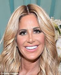 hairstyles that hide sagging jaw line kim zolciak reveals she had cosmetic treatment to lift her saggy