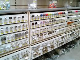 bouton de meuble de cuisine poignees porte cuisine poigne de porte et tiroir de meuble design