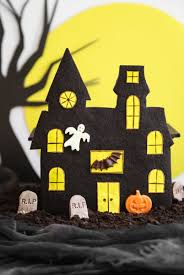 halloween haunted house centerpiece
