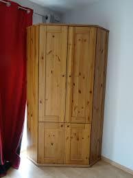 bureau d angle en bois massif achetez bureau d angle ikea quasi neuf annonce vente à villars les