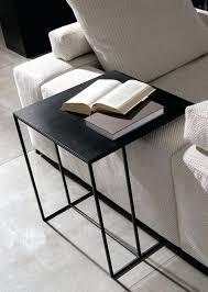table pour canapé table d appoint pour canape peinture a leau une dacco murale