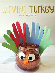 easy and glowing turkey craft for inexpensive to make
