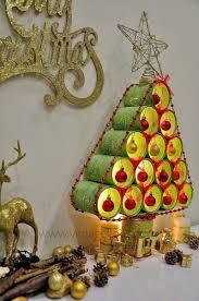 diy árbol de navidad con latas recicladas navidad ideas para