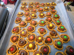 cute thanksgiving ideas thanksgiving kid favor ideas and rolo turtle treats