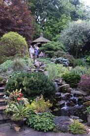 How To Landscape A Sloped Backyard - garden bliss on a sloping backyard u2013 gardeninacity