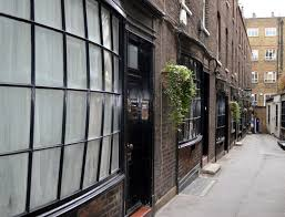 london s historic shops and markets 1 8 goodwin s court wc2 but the wooden bowed shopfronts from numbers 1 to 8 were added in the late 18th century they re typical late 18th century when window displays were