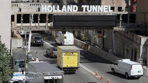 guns rifles found during holland tunnel traffic stop port