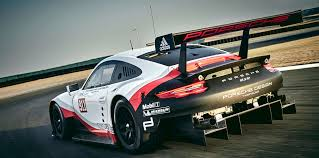 porsche race cars 2017 porsche 911 rsr endurance race car revealed photos 1 of 5