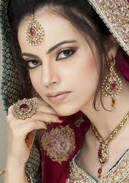 the 25 best ideas about asian bridal makeup on indian eye makeup indian wedding makeup and stani bridal makeup