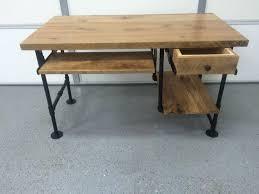 bureau bois de computer desk reclaimed wood desk rustic barnwood table keyboard
