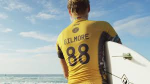 yellow jeep on beach jeep u0026 wsl rip curl pro bells beach stephanie gilmore youtube