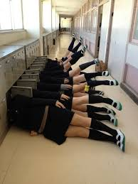 School Girl Meme - another japanese schoolgirl photo meme to sweep the internet