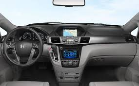 compare toyota to honda odyssey 2015 honda odyssey vs 2015 dodge grand caravan comparison review