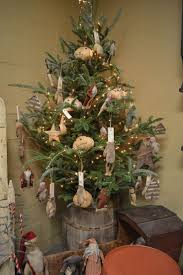 prim tree gifts home decor 674 best christmas prim country colonial trees images on