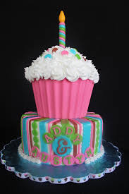 children s birthday cakes children s birthday cake for chickens fan fondant cake ideas