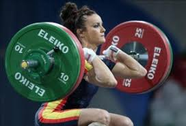 Woman Lifting Weights Meme - 5 fitness myths all curly women should know to get fit the
