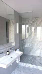 Dressing Room With Bathroom Design Kevin Velghe Atelier Kva Salle De Bain En Marbre De Carrare