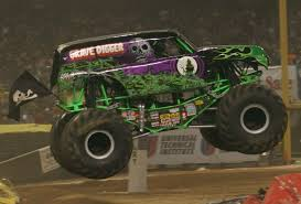 original grave digger monster truck file grave digger truck jpg wikimedia commons