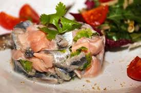 cuisiner des sardines fraiches recette de tartare de sardines et saumon la recette facile