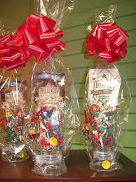 creative gift baskets christmas creative christmas gift baskets rainforest islands