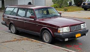 file 1993 volvo 240 classic estate front right jpg wikimedia