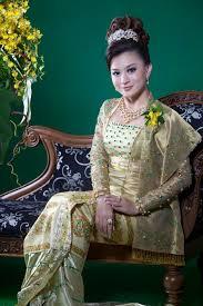 myanmar celebrities myanmar traditional dress wutt hmone shwe yi
