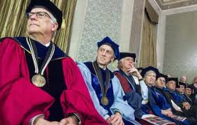 faculty regalia faculty commencement the of at