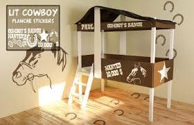 cabane pour chambre lit cabane cowboy vente lit cabane pour enfants decore ta chambre