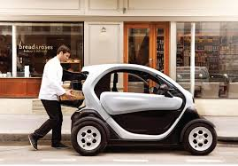renault twizy vs smart fortwo renault twizy cargo electric city car loses seat gains cargo space