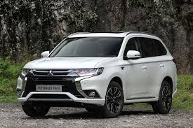 mitsubishi suv 2016 interior 2016 mitsubishi outlander phev review uk first drive motoring