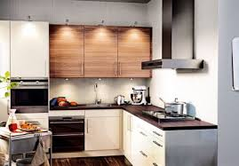 cuisine brun et blanc fauteuil transformable trix kartell cuisine kitchens and