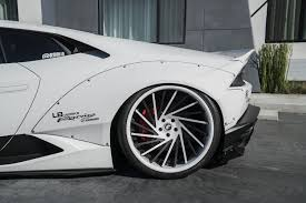 Lamborghini Huracan Liberty Walk - white liberty walk huracan shows split stormtrooper personality