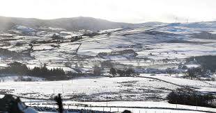 weather warning issued for snow sleet and rain overnight wales
