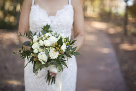 wedding flowers images free wedding flowers bouquet free photo on pixabay