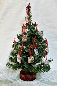 small christmas tree ornaments 1000 ideas about small christmas