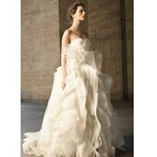Budget Wedding Dresses Vera Wang To Design Budget Wedding Dresses Beauty And The Dirt