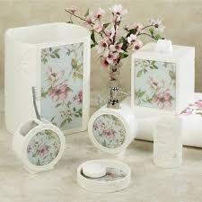 York Bathroom Accessories by Magnolia Floral Bath Accessories By J Queen New York Magnolia