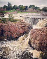 South Dakota Online Travel images Falls park in sioux falls south dakota jpg