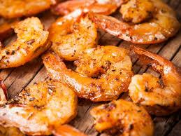 comment cuisiner les gambas crevettes sautées à l ail et au citron vert recette de crevettes